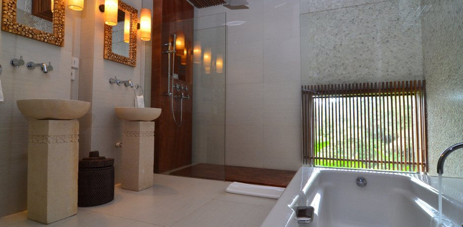 BATHROOM, PREMERE TWO BEDROOM POOL VILLA